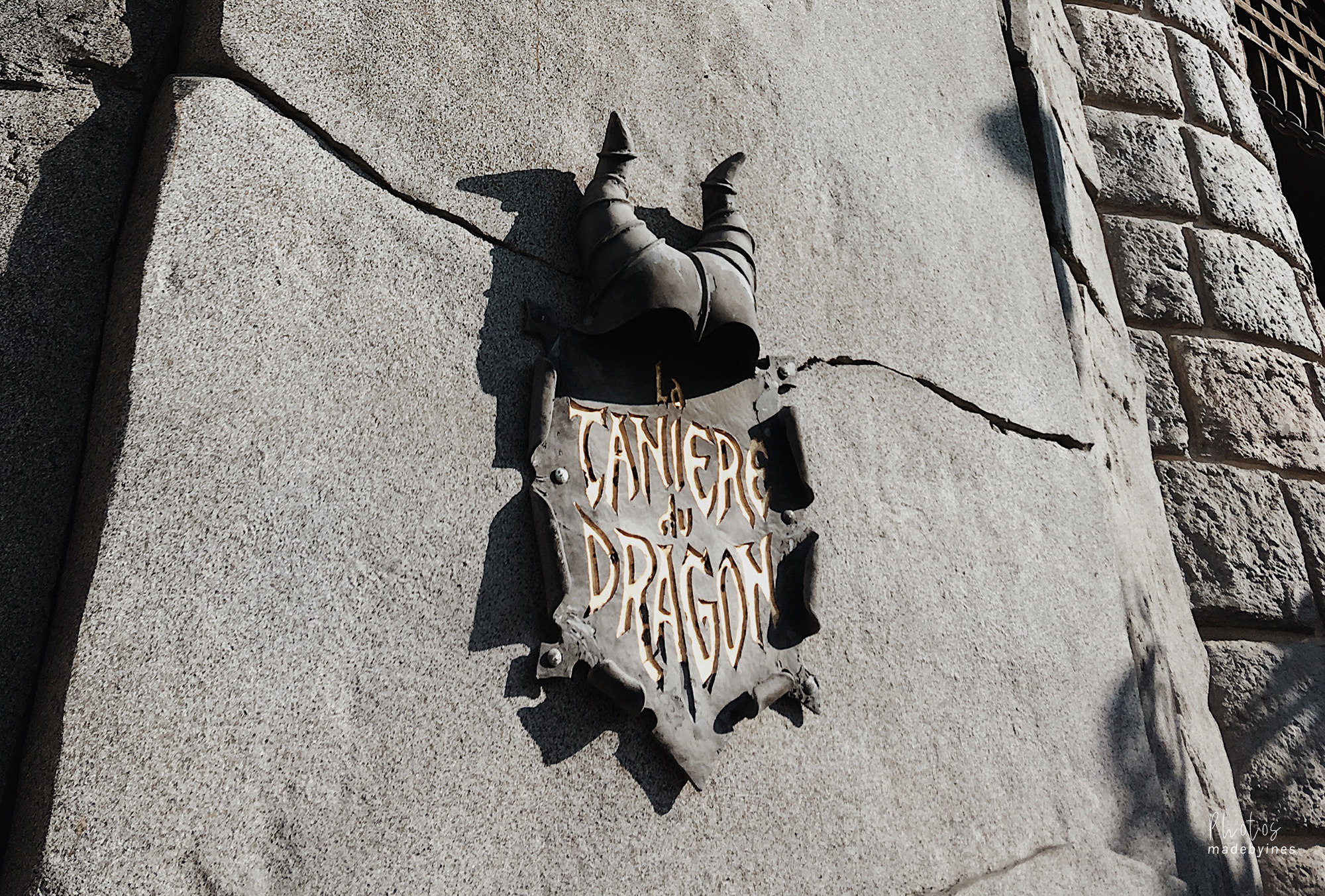 Cave of the dragon — Disneyland Parijs